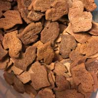 Peanut Butter Mitten Dog Treats