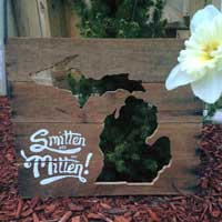 Smitten with the Mitten Sign