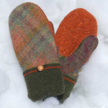 Recycled Wool Mittens – Rust and Green Plaid