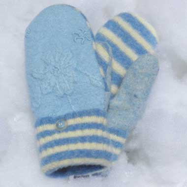 Recycled Wool Mittens – Light Blue With Embroidered Flower Pattern