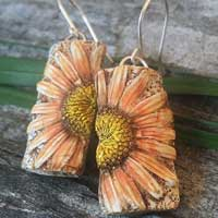 Clay Wild Daisy Earrings – Salmon