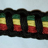 Paracord Bracelet with 4 colors of paracord - 3 stripes