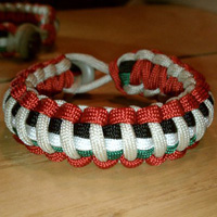 Paracord Bracelet with 5 colors of paracord - 3 stripes