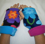 Ladies Garden Variety Reversible Fingerless Gloves by Turtle Gloves®