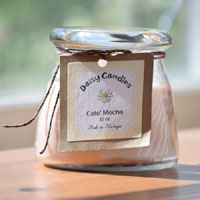 Daisy Candle 12 oz Classic Round